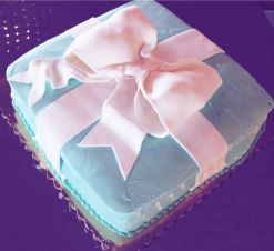 Breakfast at Tiffany's cake