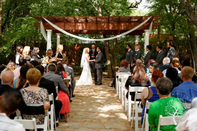 Hannah Justin S Fall Wedding At Wildwood Inn Denton